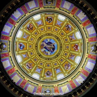 The magnificent inner dome of St Stephen's