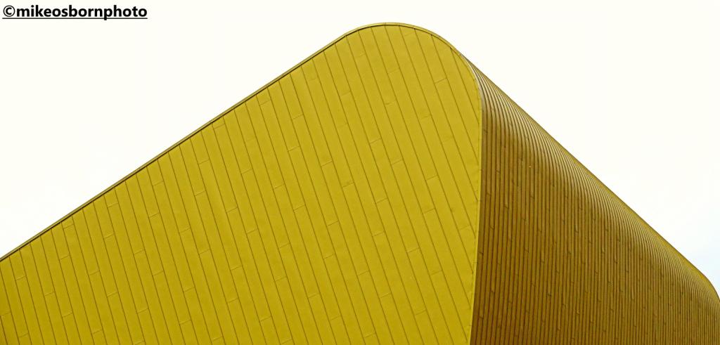 Golden roof of Bonus Arena, Hull
